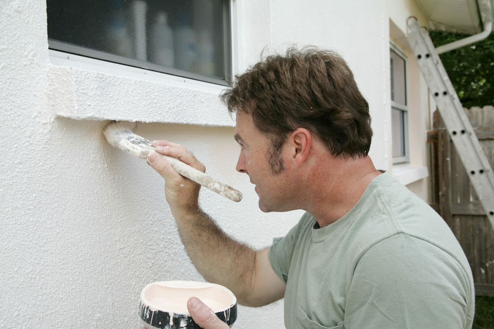 Preparing and painting exterior walls the right way!